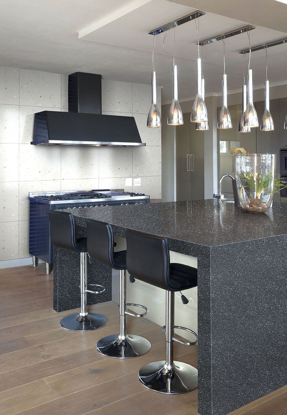 Shining Black Quartz Kitchen Countertops